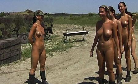 фото девушки голые в армии