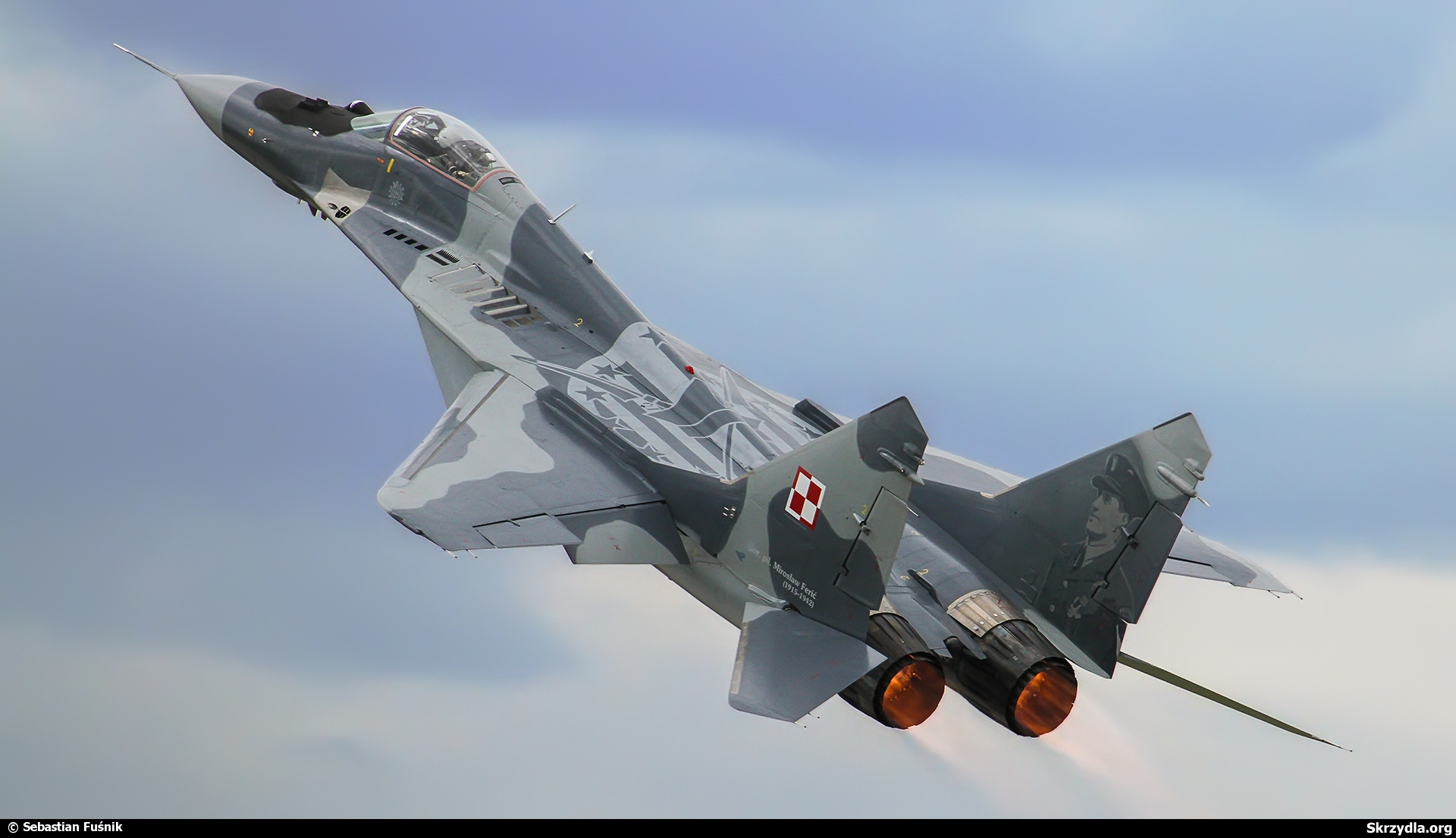 http://militaryrussia.ru/forum/download/file.php?id=24087&sid=c45d5e7ec5ff2c177c32e317bf3b984f&mode=view