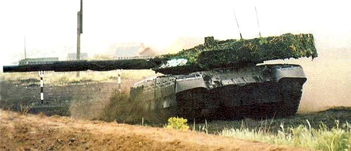 http://militaryrussia.ru/i/284/313/EArNE.jpg