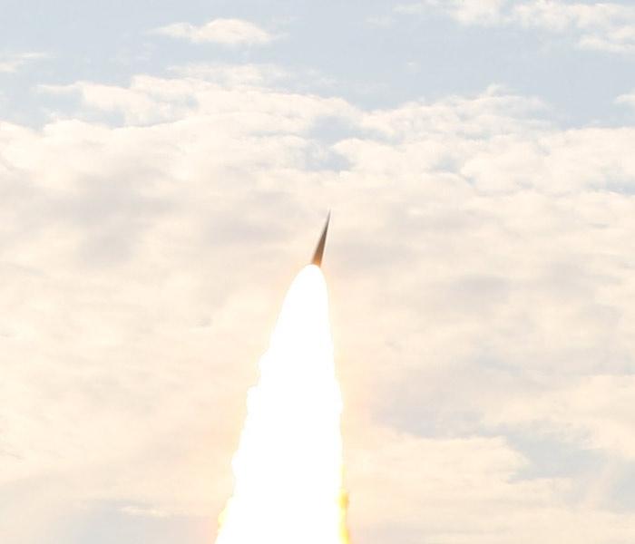 Ιntercepting Ballistic Missiles. US vs Russian ABMs  - Page 2 ZmmIA