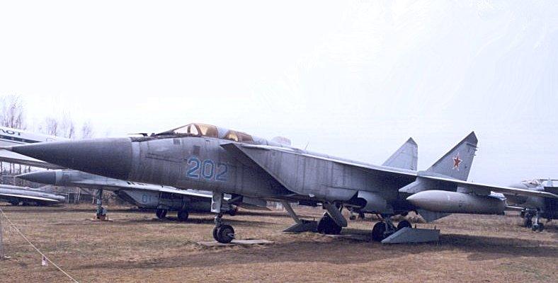 http://militaryrussia.ru/i/284/407/QVii8.jpg