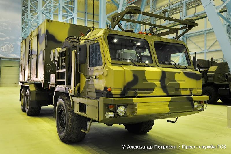 Машина с кабиной управления 50К6А (на дальнем плане ...: http://militaryrussia.ru/blog/topic-633.html