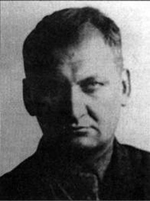 Д.Л.Томашевич (слева фото 1931-1933 г.г.