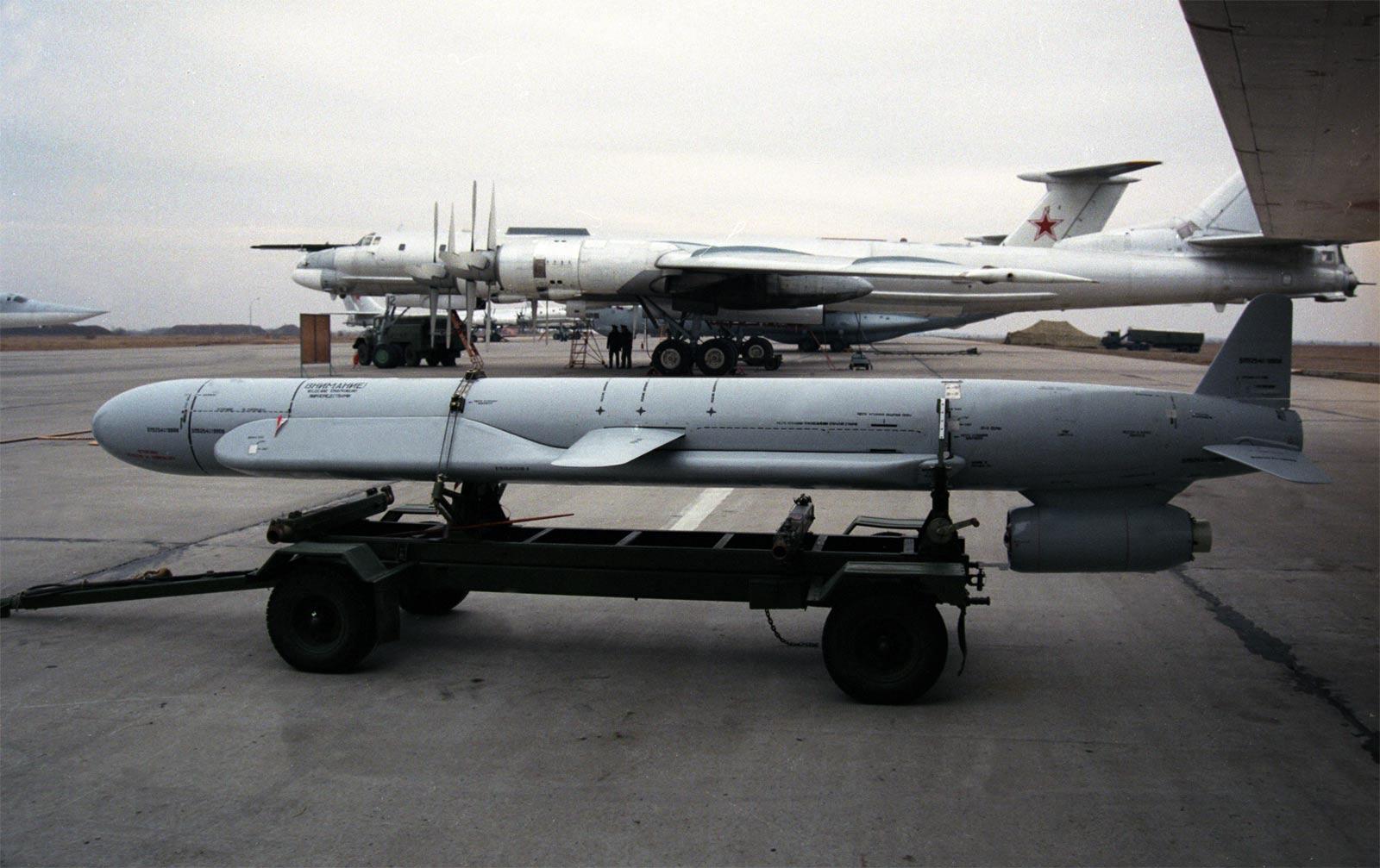 http://militaryrussia.ru/i/284/702/ejF1S.jpg