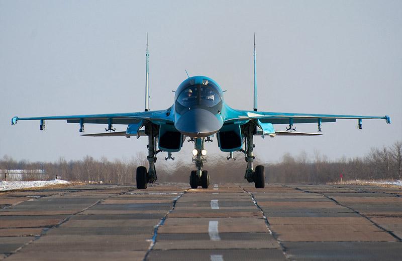 Су-34 борт №1 красный с
