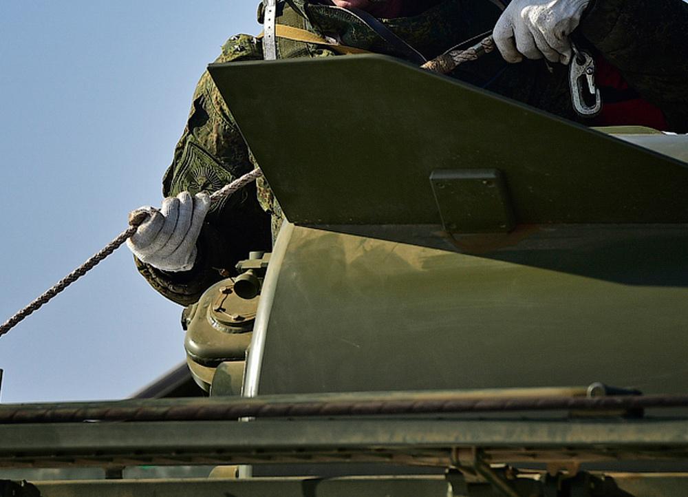 http://militaryrussia.ru/i/284/816/iwwRR.jpg
